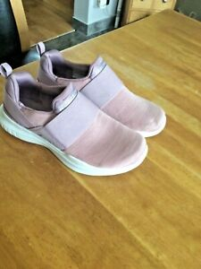 Skechers Air Cooled Memory Foam Performance Size 3 In Great Condition