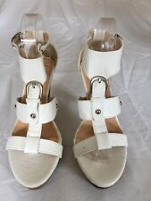 Amicco Ladies White Strappy Leather Sandals size 8 (H48).