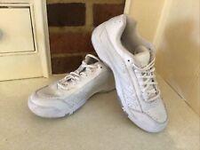Wilson White Ladies Tennis Shoes Sz 5