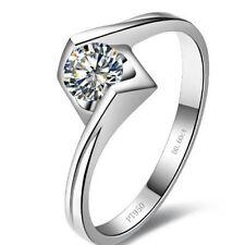 Round White Gold VVS1 18k Diamond Engagement Rings