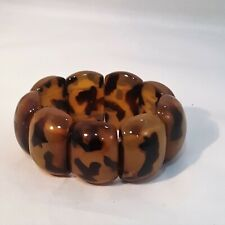 GORGEOUS LUCITE BROWN ANIMAL PATTERN STRETCH BRACELET
