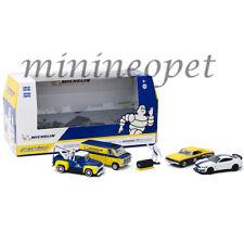 GREENLIGHT 58049 MICHELIN SERVICE CENTER DIORAMA DIECAST CAR & FIGURE 1/64
