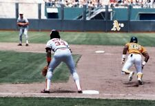 80's Oakland A's Rickey Henderson Stealing 2nd Base Game Action 8 X 10 Photo
