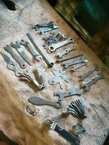 COLLECTION OF VINTAGE CAR MAGNETO SPANNERS POINTS SPANNERS ETC, INCLUDING TERRYS