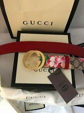 Gold buckle .Gucci FLOWER BELT  fits  fits   34-38 (90-36  )