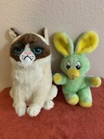 """Grumpy Cat Large 12"""" Plush And 9"""" Surprised Green And Yellow Mouse Plush"""