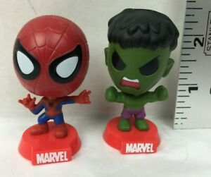 2 Marvel Mini Bobble-Heads Figures  Spider-Man & Hulk