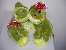 KISSING FROGS soft plush, magnetic kiss, turn into a prince for Xmas - Dan Dee