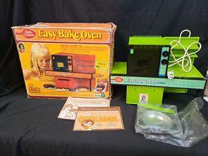 Vintage 1970's Kenner & Betty Crocker Easy Bake Oven with Original Box