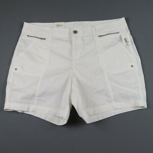 NWT- STYLE & CO White Mid Rise Shorts Size 16W