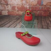 Dafna Garden Rain Clogs Size 7 Red
