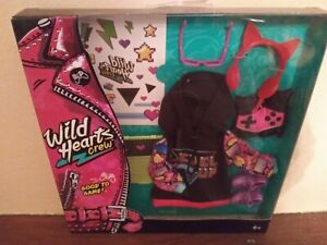 WILD HEARTS CREW Good To Game 8 Piece Doll Fashion Accessory Pack Clothes Shoes