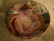 Avon plate: A Mother's Love 1995