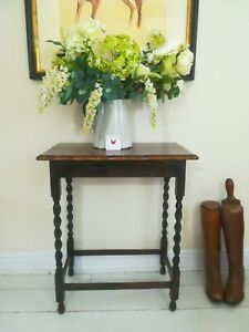Barley twist Hall Table Occasional Lamp Side abun Feet Scalloped edge