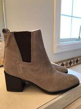 $295 Pour La Victoire  Womens Fara Gray Chelsea Boots Shoes 9.5 Medium (B,M)