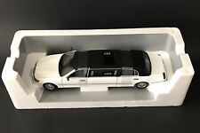 2000 LINCOLN TOWN CAR LIMOUSINE WHITE 1/18 NEW MILLENIUM EDITION SUN STAR