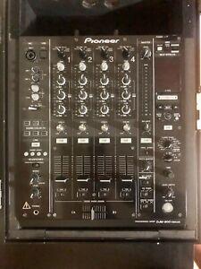Pioneer DJM-900NXS Nexus 4-Channel DJ Mixer with Effects and Flight Case.