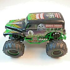 """New Bright Grave Digger RC Truck 12"""" long  MONSTER TRUCK CRAWLER + Controller."""