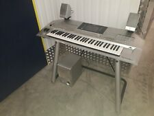 YAMAHA Tyros 2 keyboard with speakers in fully working condition