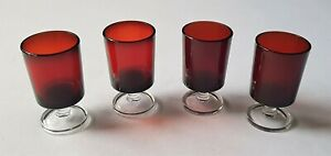 BEAUTIFUL SET OF 4 VINTAGE C1970'S RUBY RED & CLEAR LUMINARC SMALL PORT GLASSES