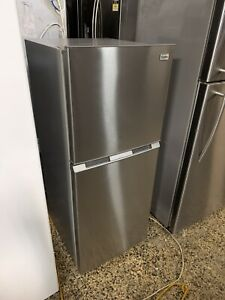 Esatto 207 Litre Fridge / Freezer (6mth warranty)