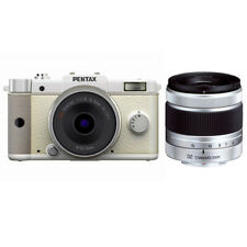Near Mint! Pentax Q with 8.5mm and 5-15mm White - 1 year warranty