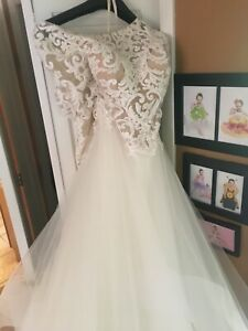 Pre-owned Casablanca Gown. Custom Made. Size 20