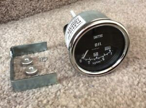 SMITHS OIL PRESSURE GAUGE 0-100 Psi  52 mm DIA MECHANICAL LAND ROVER