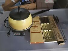 Vintage OSTER Electric Fondue Variable Heat Lid Harvest Gold Works w/ Forks