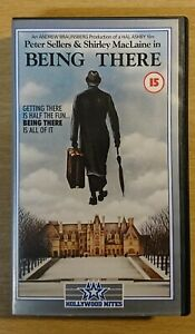 BEING THERE - VHS VIDEO - PETER SELLERS & SHIRLEY MACLAINE