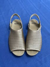 Earth Linden Laveen Women's sandal's Size 9.5/Blush color