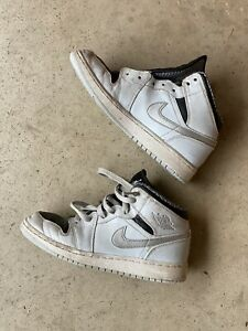 Nike Air Jordan 1 Size 4Y Sneaker 554725-032 Cool Gray Black