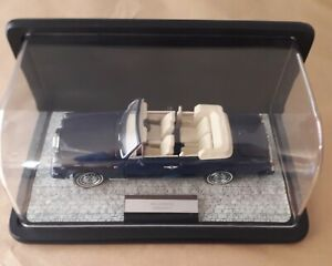 Franklin Mint Rolls Royce Corniche IV in Blue complete with display case.