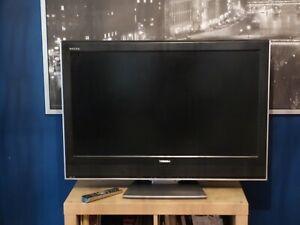 """Téléviseur Très bon état - LCD Toshiba Regza 37"""" noir diagonale 110 écran 90..."""
