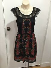 BNWT REVIEW Black Floral Fit And Flare Dress Size 8 * Gorgeous*