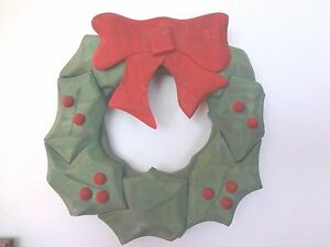 Unique Vintage Hand Carved Wooden Musical Christmas Holly Wreath Red Bow