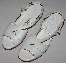 SAS Women 8 S Caress Sandals White Tripad Comfort Leather Strap Shoes EUC