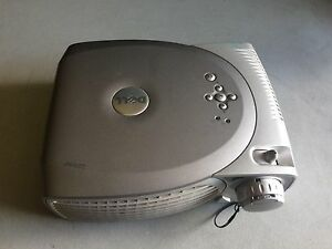DELL 2200MP PORTABLE HD DLP PORTABLE PROJECTOR WORKS GREAT!! CLEAR IMAGE!!