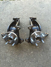 Freelander 2 2007 to 2014 Front hub Knuckle with wheel bearing  LH & RH pair
