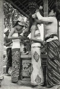 1950s Vintage BALI Girls FEMALE FLOWERS Dance By HENRI CARTIER-BRESSON Art 16x20