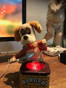 """COLLECTABLE, ANTIQUE, VINTAGE YONEZAWA """"BURGER CHEF"""" BATTERY OPERATED TOY DOG."""