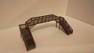 Hand painted N Gauge Footbridge - GWR or SR Colours - Prebuilt, no assembly