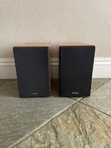 Pair of TEAC LS-MC90 60 Watt Speakers Bookshelf Glossy Faux Wood Finish Tested