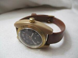 Grand Prix Analog Wristwatch with a Buckle Band