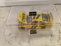 #17 Matt Kenseth / DEWALT  Rookie of the year 2001 Owner's Series 1/64 with case