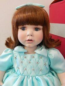 """SATIN 2005 Marie Osmond/Karen Scott 'Material Girls' 14"""" Seated Porcelain Doll"""