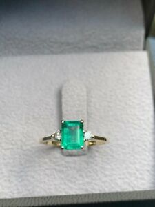 1.18 Carat - Top Colour Natural Emerald And Diamonds Ring - 14ct Yellow Gold