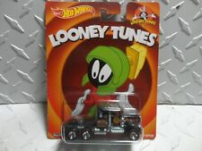 Hot Wheels Pop Culture Looney Tunes Black Kenworth W900 w/Real Riders