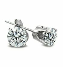 Orecchini con diamanti naturali da 0.22 carati in oro bianco 14 carati