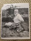 ERNEST HEMINGWAY 1954 PHOTO REPORTED DEATH FAMOUS WRITER LEGEND LITERARY ICON